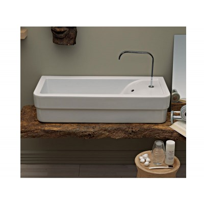 Cielo Opera wall-mounted or on top sink. OPLAC