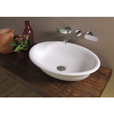 Flaminia Pass 56 bench sink with center drain in ceramic BL56L